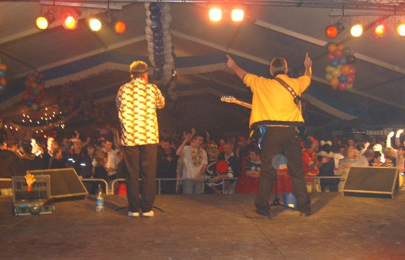 Gebrüder Blattschuss auf der Festzeltbühne in Cottbus