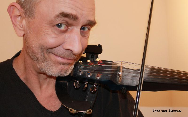 Kalle Ricken mit E-Geige